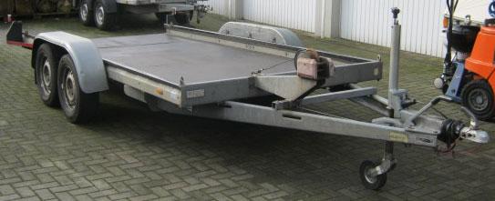 Autotransportanhänger (Bodenfläche geschlossen) 2600 Kilo mit Bremse