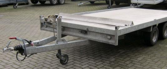 Autotransportanhänger (Bodenfläche geschlossen) 3000 Kilo mit Bremse